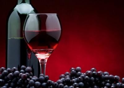 4 công dụng từ rượu vang dành cho da