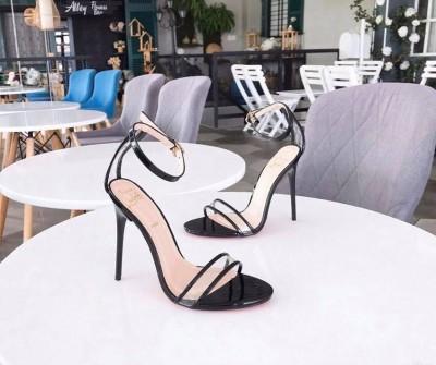 Giày gót cao 12cm - Thảnh thơi mua sắm cùng Chợ Tốt