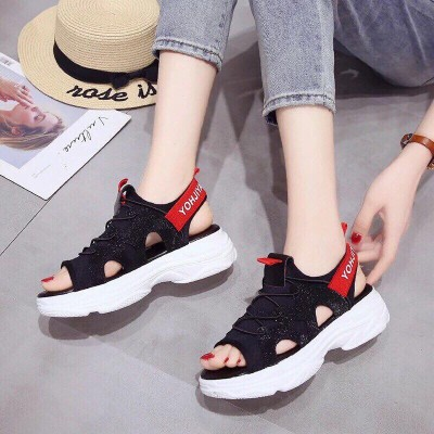 Giày sandal đế thô