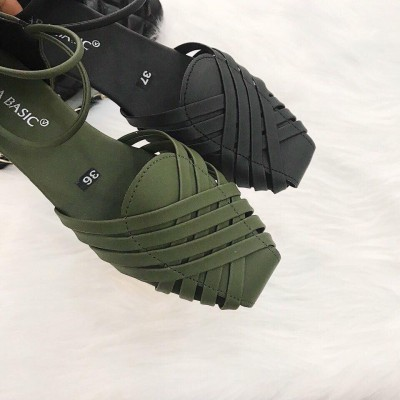 Giày sandal quai rọ