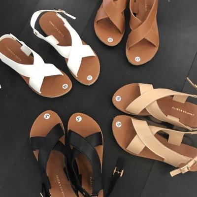 Giày sandal đế bệt xinh đẹp và rạng ngời mỗi ngày
