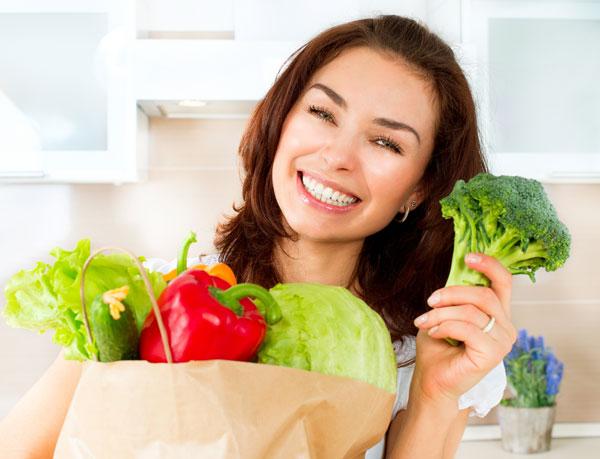 Bắp cải, bông cải xanh, dâu tây chống sạm da